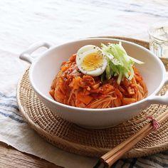 김치비빔국수 (Kimchi Noodles)