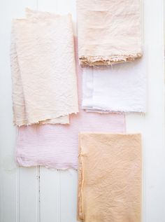pretty pastel colors for spring // Using nature to DIY fabric.