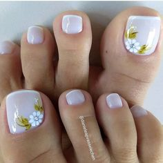 Toe Nail Flower Designs, Pedicure Designs, Nail Art Designs, Prom Nails, Bling Nails, Toe Nail Art, Practical Gifts, Flower Nails, Unusual Gifts