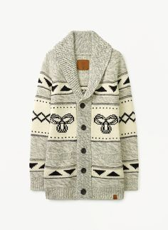 This cozy lambswool cardigan features custom-designed intarsia artwork inspired by traditional knit patterns from the Northwest Coast. New Outfits, Fall Outfits, Cute Outfits, Fashion Outfits, Hollister Clothes, Rock T Shirts, Warm Sweaters, Girls Be Like, Everyday Look