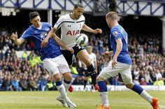 Premier League Game Week 4 Soccer Preview: Spurs vs White Hart Lane - http://movietvtechgeeks.com/premier-league-game-week-4-preview-spurs/-Last weekend the Premier League champions, Chelsea, clinched their first victory of the season against Tony Pulis's West Brom. The Blues are pitted against Alan Pardew's Crystal Palace for yet another stern test at the Stamford Bridge.