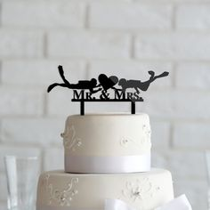Nautical Scuba diving Mr and Mrs Wedding Cake Topper anniversary Acrylic wreath CT0012