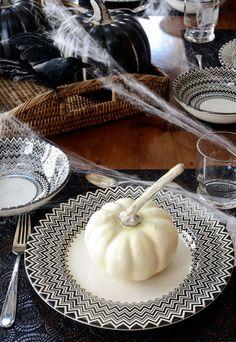 Black & White Chevron Pottery Dinnerware