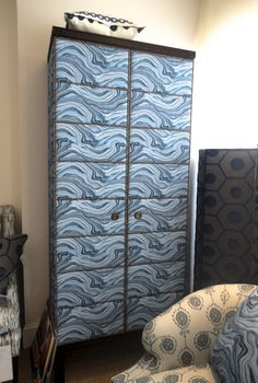 gorgeous design collaboration with hable + hickory chair. the stunning marbling textile trend is spot on here! #hpmkt