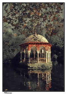 Birds Island, Parque de Maria Luisa   SEVILLA   Spain