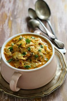 15 Dishes From The Marwari Cuisine Whose Amazing Taste You Will Remember Long After Jain Recipes, Gujarati Recipes, Curry Recipes, Vegetable Recipes, Vegetarian Recipes, Cooking Recipes, Indian Vegetarian Dishes, Vegetarian Curry, Vegetarian Cooking