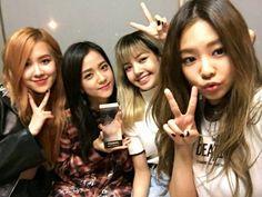 blackpink ot4 rose, jisoo, lisa & jennie