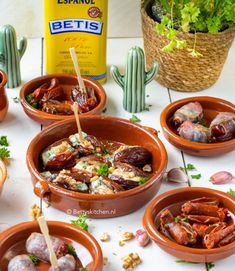 Aperitif with nuts - Clean Eating Snacks Recipe Notes, Spanish Food, Food Themes, Quick Recipes, Fritters, Clean Eating Snacks, Good Food, Easy Meals, Food And Drink