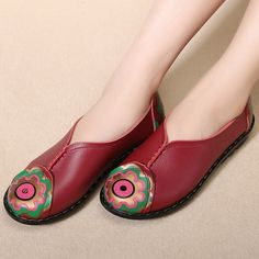 Brand: NO    Shoe Type: Flat Shoes Toe Type: Round Toe  Closure Type: Slip On Heel Type: Flat  Heel Height: 2.5cm Gender: Female Occasion:  Casual  Season: Spring, Summer,Autumn  Color:  Black,Red   Material: Upper Material: Leather Outsole Material: Rubber   Package included:  1*pair of shoes(without box)            Please Note:   1.  Please see the Size Reference to find the correct size.    2.The size of these shoes are smaller than ordinary, we suggest buying a…