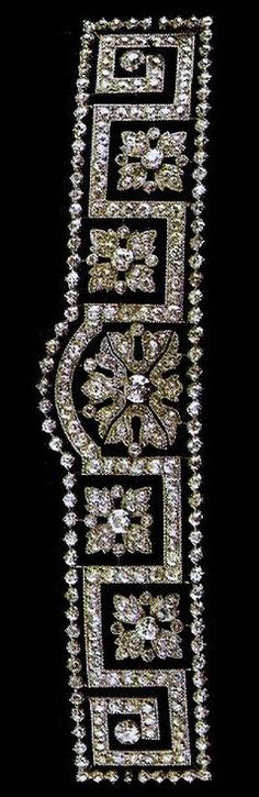"""Diamond and platinum tiara, typical style in the early years of the 20th century jewelery, """"the Greek."""""""