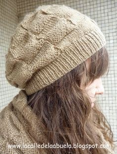 10 knitted caps with two needles for women – Lidia Lo – Join in the world of pin Lace Knitting, Knitting Patterns Free, Knit Patterns, Knit Crochet, Crochet Hats, Knit Lace, Knitted Heart, Love Hat, Slouchy Hat