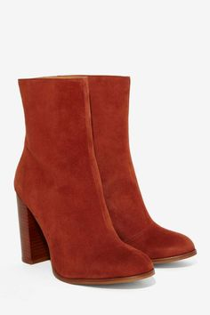 Suede Boot ==