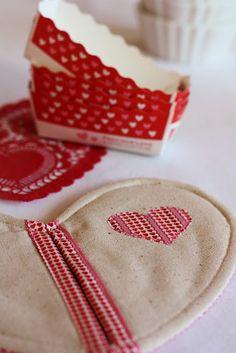 Heart shapes Valentines pot holder