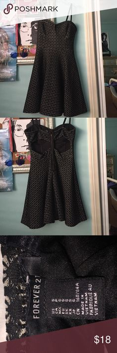 FOREVER 21 Cocktail dress Black and beige print with cutouts on back. Fairly short Forever 21 Dresses Mini
