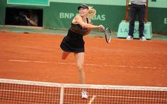 Maria Sharapova breezes by Ayumi Morita and into the fourth round.
