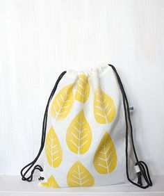 Sommerlicher Turnbeutel mit aufgedruckten Blättern, Festival Fashion / summerly hipster gym bag with yellow leaves by gemengsel via DaWanda.com