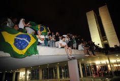 Frenesi coletivo irrelevante: Sobre os protestos de jun/2013