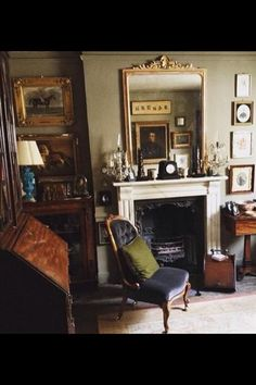 27 ideas house interior english chairs for 2019 English Country Cottages, English Country Decor, My Living Room, Living Room Decor, Living Spaces, Traditional Interior, Traditional House, Wabi Sabi, Style Anglais