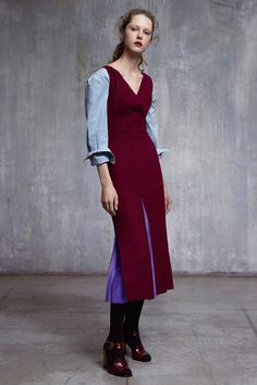 http://www.vogue.com/fashion-shows/fall-2017-ready-to-wear/jil-sander-navy/slideshow/collection