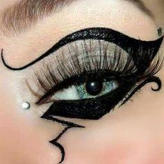 Crazy Eye Makeup   Crazy eyeliner   Eye Makeup Inspiration