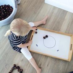 """Formen legen mit #kastanien #halloherbst17 #kinderspiele #montessori #kinderkram…"""