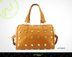 ¡El bolso que buscabas! Fashion y combina con todo.  ;) Adquiérela AQUÍ http://www.distribuidoranuevaimagen.com/catalogo/tienda-en-linea/bolsos-platino/noemia-sof-camel-detail