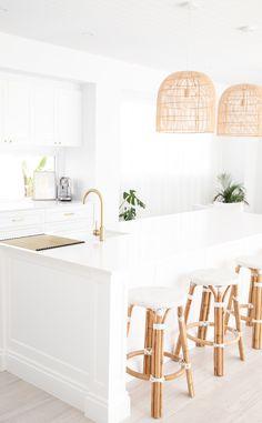Hamptons Kitchen, Hamptons House, Hamptons Style Decor, Home Decor Kitchen, Home Kitchens, Kitchen Design, Bathroom Interior, Kitchen Interior, Design Bathroom