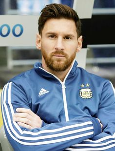 Welcome to Messi Source! Here you will find the latest Lionel Messi photos, news, and videos. Messi News, Lional Messi, Messi Soccer, Neymar, Good Soccer Players, Best Football Players, Football Love, Football Is Life, Lionel Messi Haircut