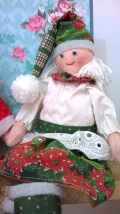 Mamãe Noel Elf On The Shelf, Holiday Decor, Home Decor, Happy Holidays, Decoration Home, Room Decor, Interior Design, Home Interiors, Interior Decorating