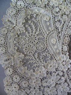 A circular bertha of fine Brussels Duchesse lace,