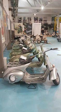 Piaggio Scooter, Mod Scooter, Vespa Lambretta, Vespa Scooters, Vintage Bikes, Vintage Vespa, Vespa 150, Pocket Bike, Classic Motors