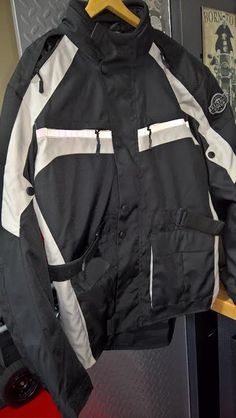 MotorcycleHouse.com has asked me to review one oftheir jackets, the Viking Cycle Enforcer Jacket. Below is the unboxing and first impressions video. Over the next few weeks I will be wearing th…