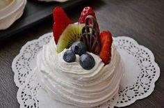 Pavlova, Sweet Recipes, Cake, Desserts, Pastries, Food, Pie Cake, Tailgate Desserts, Pastel