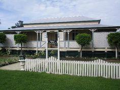 I really love Queenslander homes