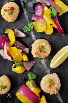 Cedar Plank Beer Scallops with Roasted Vegetables Cedar Planks, Roasted Vegetables, Scallops, Kitchen Recipes, Low Carb Recipes, Beer, Treats, Dinner, Baking