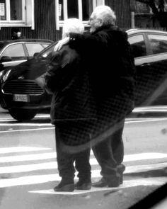 #milano #mdnfoto #anziani #picoftheday #volgolombardia #volgomilano @volgomilano…