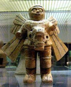 Figura alada encontrada en Veracruz, Mexico  Leer más: http://el-libertario.webnode.es/nuestros-antiguos-instructores/