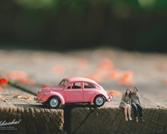 Innovative AF! #indianWedding #photo #ideas #moments | curated by #WittyVows the ultimate guide for the Indian Bride | www.wittyvows.com Miniature Photography, Toys Photography, Creative Photography, Automotive Photography, Photography Ideas, Wedding Photography Poses, Photography Business, Photo Macro, Fotografia Macro