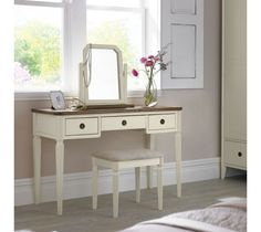 The Sophia Two Tone Dressing Table is formed from hackberry solids and then finished with a cream paint lacquer. This traditional styled Dressing Table would be perfectly complimented by the Sophia Two Tone Stool and Vanity Mirror to make any bedroom space complete.