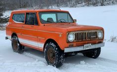 This 1975 International Harvester Scout is a well-optioned survivor that runs and drives and has only moderate rust - and you can't beat the period-correct color scheme. International Scout Ii, International Harvester, Plymouth Fury, Steel Wheels, Better Day, Vintage Trucks, Barn Finds, Station Wagon, Automatic Transmission