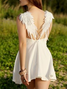 SHARE & Get it FREE   Wing Embroidery Sleeveless Flare DressFor Fashion Lovers only:80,000+ Items • New Arrivals Daily Join Zaful: Get YOUR $50 NOW!