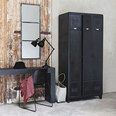 Single Wardrobe Storage Ideas For 2019 Industrial House, Industrial Style, Interior Design Living Room, Interior Decorating, Metal Lockers, Entry Way Design, Wardrobe Storage, Home Staging, Decor Styles
