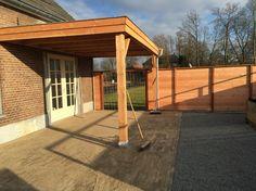 Overkapping veranda met plat dak van douglas hout www.vanviegen.com
