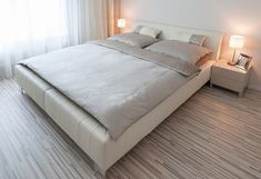 Laminate flooring bedroom ideas striped grey laminate flooring in master bedroom flooring ideas for bedrooms white Modern Apartment Decor, Contemporary Apartment, Contemporary Furniture, Apartment Ideas, Small Room Bedroom, White Bedroom, Bedroom Ideas, Master Bedroom, Bedroom Laminate Flooring
