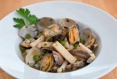 Cazuela marinera de sepia con almejas y guisantes - Recetas de rechupete - Recetas de cocina caseras y fáciles