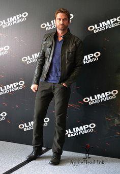 "appleheadinkanimation:  Gerard Butler México ""OlimpoBajoFuego #OlympusHasFallen #GerardButler (via Gerard Butler México)"