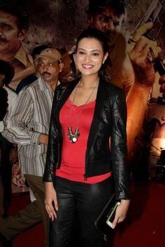 """Sayali Bhagat at """"ZILLA GAZIABAAD"""" Movie Premiere."""