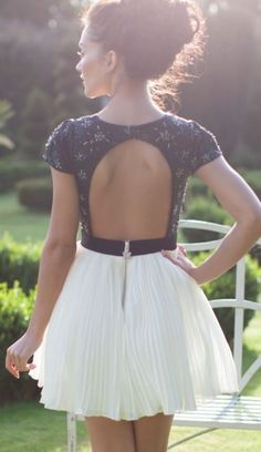 #summer #fashion / pleated skirt