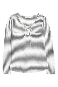 Top with lacing | H&M