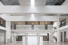 Giuseppe Terragni, ex Casa del Fascio, Como, ph. Facade Architecture, Amazing Architecture, Limerick City, City Library, Building Facade, Industrial Loft, Atrium, Art Deco, Mansions